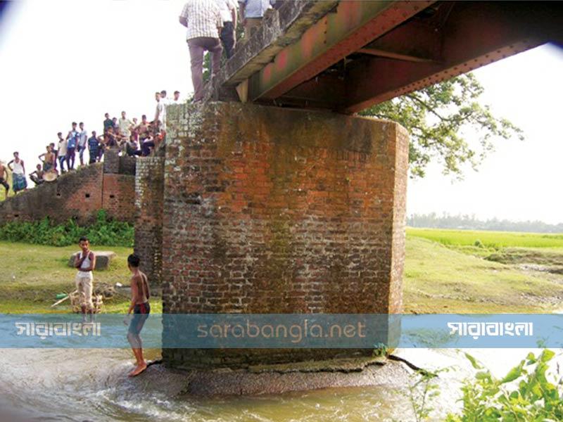 ২৬ ঘণ্টা পর রংপুর-লালমনিরহাটে রেল যোগাযোগ স্বাভাবিক