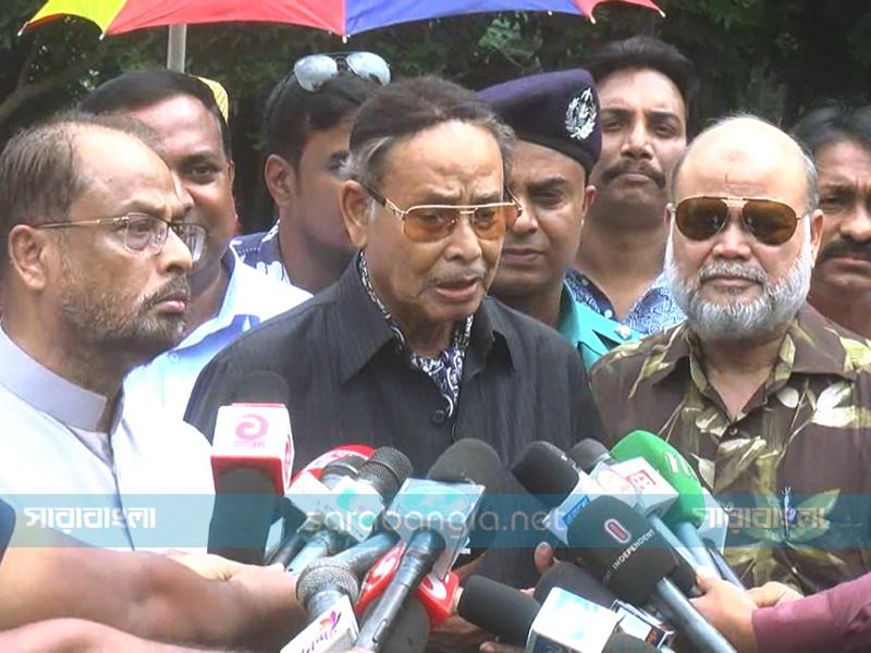নির্বাচনকালীন সরকারে মন্ত্রী থাকব: এরশাদ