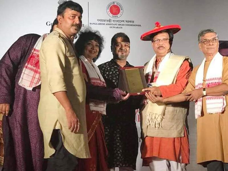 'ভূপেন হাজারিকা সম্মাননা' নিলেন লাকী