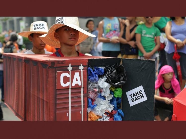 আবর্জনা নিয়ে বিরোধ, কানাডার রাষ্ট্রদূতকে তলব ফিলিপাইনের