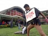 ধর্ষণের প্রতিবাদে ঢাকা বিশ্ববিদ্যালয়ে শৈল্পিক প্রতিবাদ