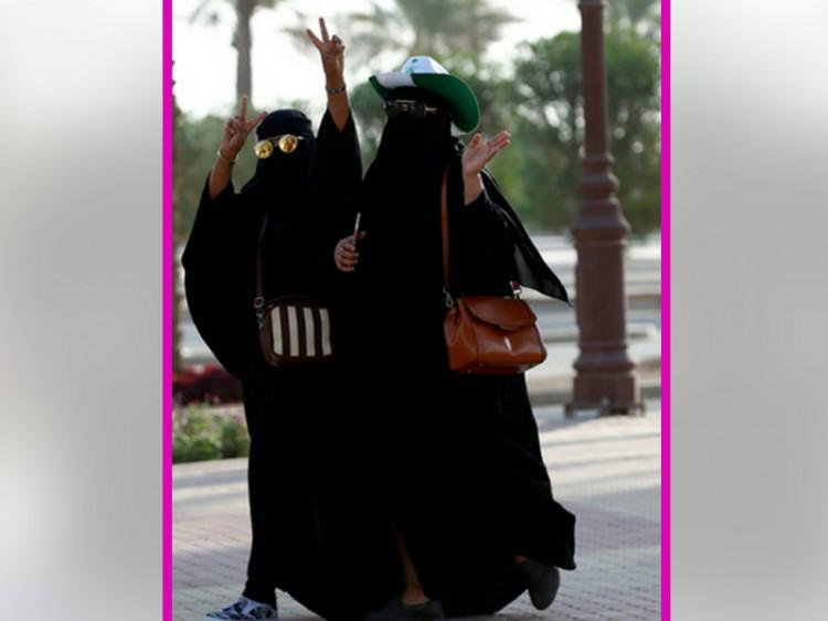 সৌদি আরবে 'অভিভাবকত্ব আইন' শিথিলের পরিকল্পনা