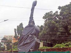 আইয়ুব বাচ্চুর 'রূপালি গিটার' স্থাপনের কাজ শুরু