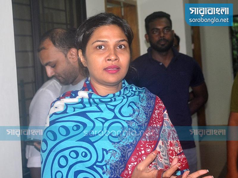 বিমান ছিনতাইচেষ্টা মামলা: অভিনেত্রী শিমলাকে জিজ্ঞাসাবাদ
