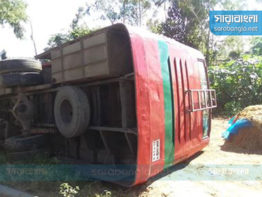 দিনাজপুরে বিআরটিসি'র বাস চাপায় ৫ জন নিহত