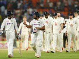 'মোদি'র বুকে দেড় দিনেই ভারতের টেস্ট জয়