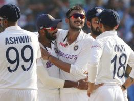 'ক্রিকেটে যা খুশি তাই করছে ভারত'