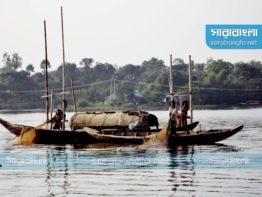 কাপ্তাই হ্রদে পানিস্বল্পতা: মাছ ধরায় নিষেধাজ্ঞা বাড়ল ১০ দিন