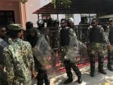 মালদ্বীপে সংসদে সেনাবাহিনীর তালা