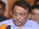 স্বরাষ্ট্রমন্ত্রী আসাদুজ্জামান খাঁন কামাল, স্বরাষ্ট্রমন্ত্রীর গাড়িতে বাসের ধাক্কা