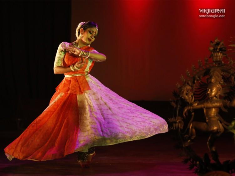 রঙ্গ উৎসবে কত্থকে স্নাতা শাহরিন