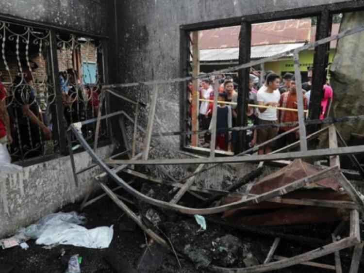 লাইটার কারখানায় আগুন, ইন্দোনেশিয়ায় শিশুসহ ৩০ জনের মৃত্যু