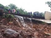 মুম্বাইয়ে অবিরাম বৃষ্টিতে দেয়াল ধসে ১৮ জনের মৃত্যু