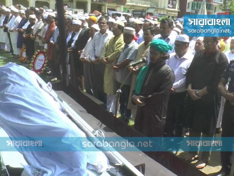 কুমিল্লায় পারিবারিক কবরস্থানে সমাহিত মোজাফফর আহমদ
