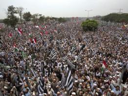 আজাদি মার্চ: 'বিরোধীদের লোভনীয় প্রস্তাব দিয়েছিল সরকারি দল'