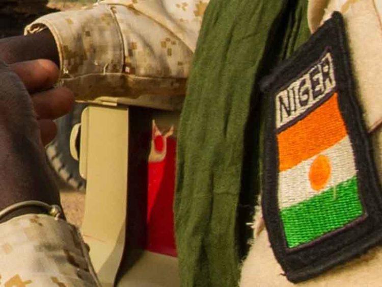 নাইজারে সেনাঘাঁটিতে হামলায় ৭১ সেনার মৃত্যু