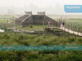 সংযোগ সড়কের অভাবে কাজে আসছে না বেলাবো'র একাধিক সেতু