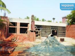 শেকৃবিতে 'শেষই হচ্ছে না' মসজিদের নির্মাণ কাজ