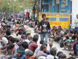 ভারতে হতদরিদ্রদের জন্য ২২ বিলিয়ন ডলারের তহবিল ঘোষণা