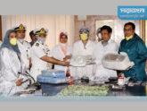 সোহরাওয়ার্দী মেডিকেলে পিপিইসহ চিকিৎসাসামগ্রী দিলো নৌবাহিনী