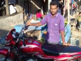 সারাবাংলায় সংবাদ প্রকাশ, মোটরসাইকেলটি ফিরে পেলেন যুবক