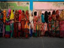 'লকডাউনে' দৌলতদিয়ার যৌনকর্মীদের সহায়তা দিচ্ছে সরকার