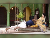 অর্ধেক বয়সী ঈশানের সঙ্গে টাবুর উদ্দাম প্রেম, মাতলো নেটফ্লিক্স