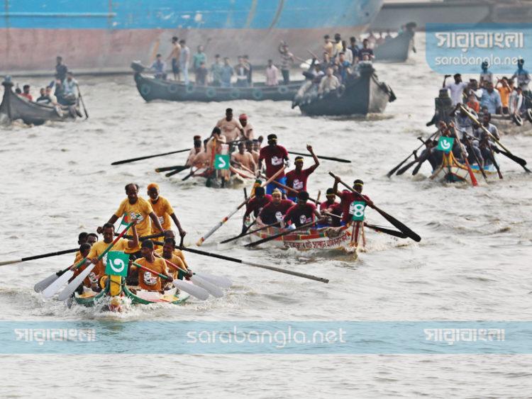 কর্ণফুলীতে নৌকা বাইচ প্রতিযোগিতায় শেষ হলো ২ দিনের সাম্পান উৎসব