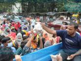 পেঁয়াজ-আলু কিনতে দীর্ঘ লাইন, তবুও ক্রেতাদের মুখে হাসি