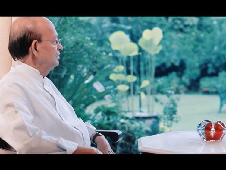 আলোচনায় প্রামাণ্য চলচ্চিত্র 'আয়রন ম্যান'