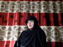 চাকরি করায় ছুরিকাঘাত, চোখ হারালেন আফগান নারী পুলিশ