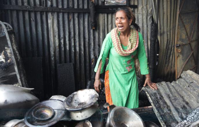 মানিকনগরের কুমিল্লাপট্টিতে আগুন, পুড়ে গেছে ঘরবাড়ি