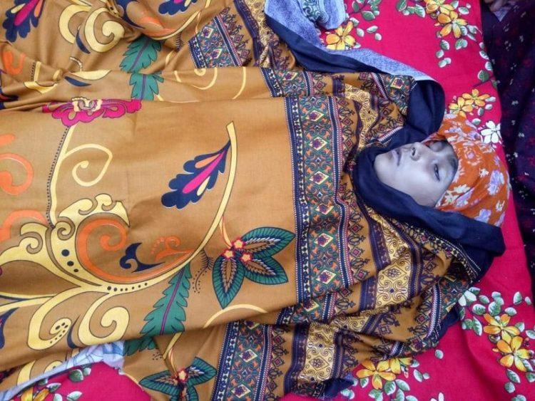 চাঁপাইনবাবগঞ্জে বজ্রপাতে কিশোরী-বৃদ্ধসহ ৩ জনের মৃত্যু