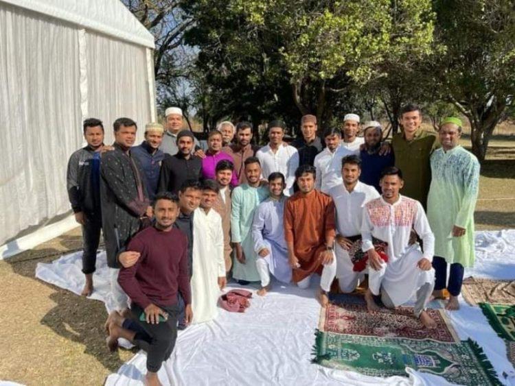 ঈদ শুভেচ্ছার সঙ্গে সতর্কবার্তা সাকিব-তামিমদের