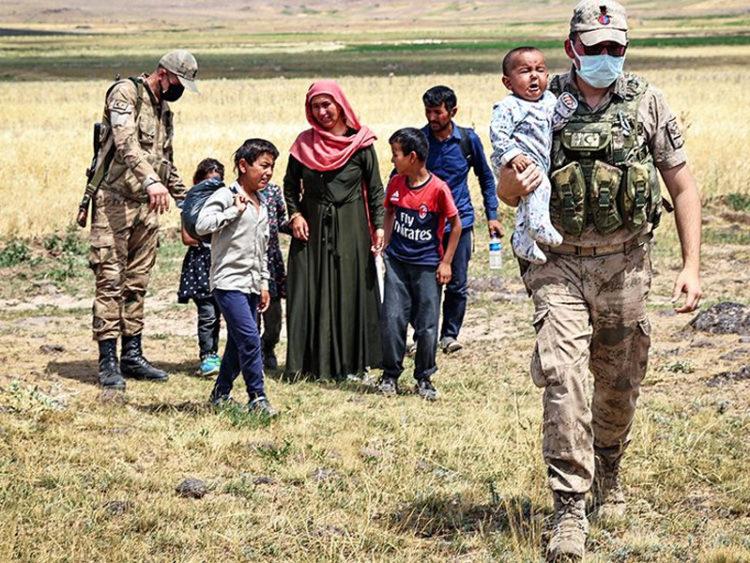 আফগান শরণার্থীরা যাবে কোথায়?